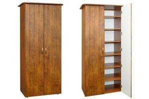 armoire en bois sur fond blanc photo