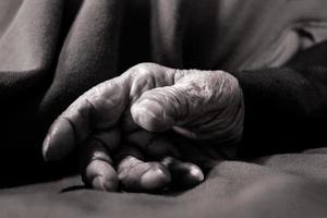 la mano de mi abuela photo