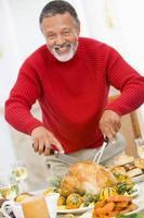 homme, découpage, poulet rôti