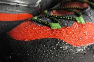 technologie imperméable pour chaussures de montagne photo
