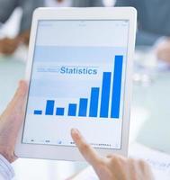 concept de statistiques commerciales en ligne numérique photo