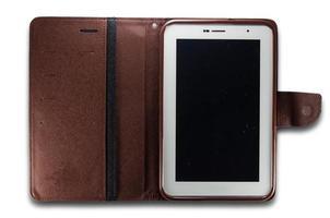 tablet pc dans un étui en cuir photo