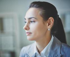 femme d'affaires calme photo