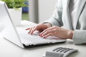 femme affaires, analyser, données photo