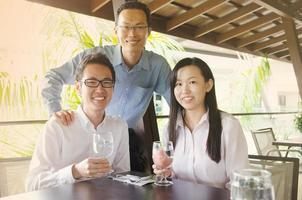 équipe commerciale asiatique photo