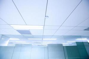 plafond de bureau photo