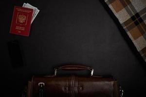 table de bureau avec accessoires. vue de dessus photo
