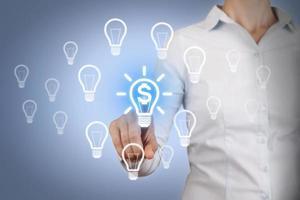 concept d'idée de finances sur écran tactile