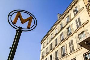 Signe du métro à Paris, France photo