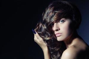 cheveux bouclés photo