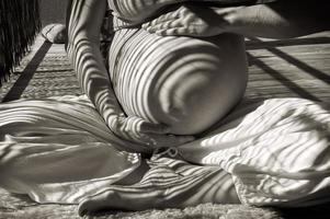 portrait de grossesse au soleil photo