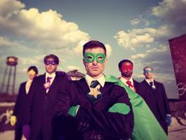 hommes affaires, super-héros, aspirations, horizon, succès, concept