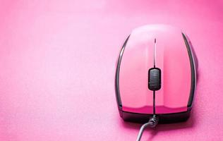 souris d'ordinateur rose photo