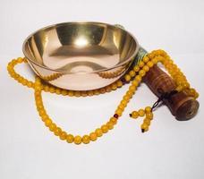 cloche et chapelet tibétain photo