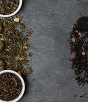 différentes sortes de feuilles de thé photo