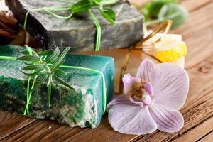 morceaux de savon naturel. photo