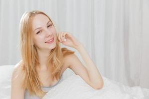 sourire de femme caucasienne photo