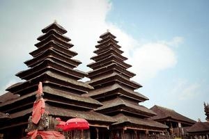 complexe de besakih pura penataran agung, bali, indonésie photo