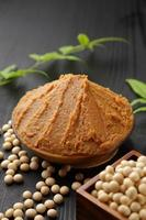 "pâte de soja japonaise ""miso"" photo"