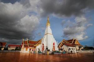 Wat pratat choeng chum, sakonnakorn, Thaïlande photo