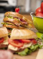 sandwich, comptoir de charcuterie, fromage, viandes
