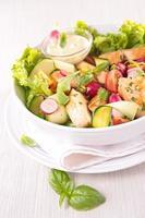salade de légumes et poulet