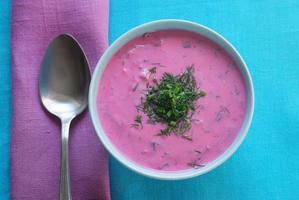 chłodnik - soupe froide de betterave photo