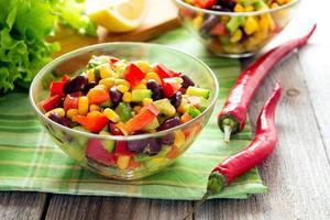 salade de haricots rouges, poivrons chauds et doux