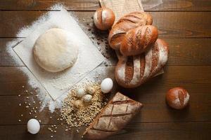pâte fraîche à la farine avec du pain de seigle