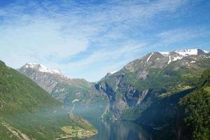 fjords norvégiens du nord. photo