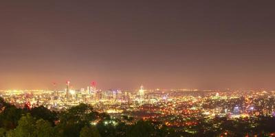 vue sur la ville de brisbane depuis le mont coot-tha photo