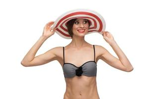 caucasienne jeune femme souriante. style pin up