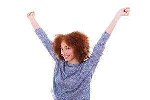 fille heureuse afro-américaine noire, levant les bras photo