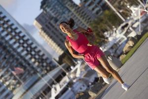 femme, jogging, écoute, mp3, joueur photo