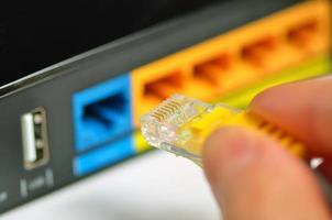 concentrateur réseau de routeur avec câble de raccordement photo