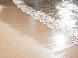 vague de la plage de waikiki photo