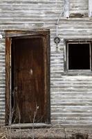 maison pionnière abandonnée en hiver photo