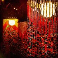lampes à perles rouges asiatiques photo