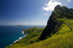 Montagne sur l'île de waya à yasawa fidji