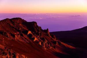 Lever du soleil sur le cratère Haleakala photo
