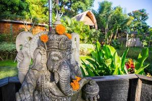détail de la statue hindoue de ganesha