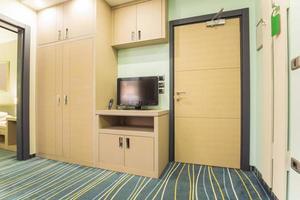 intérieur élégant de la chambre d'hôtel photo