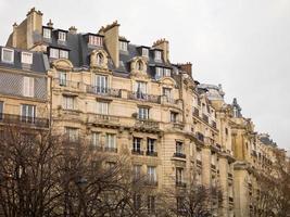 façades haussmanniennes, paris photo