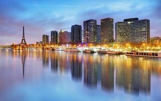 Paris skyline avec tour eiffel en arrière-plan photo