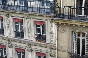 mandarines sur un rebord de fenêtre. photo