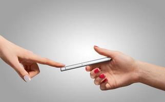 smartphone à la main