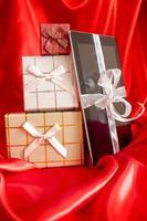 tablette numérique avec cadeau de Noël photo