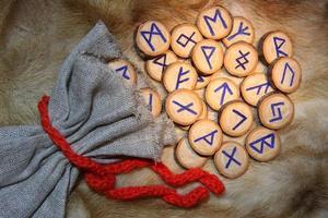 gros plan de runes