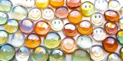 sphères en verre smileys