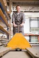ouvrier d'entrepôt photo